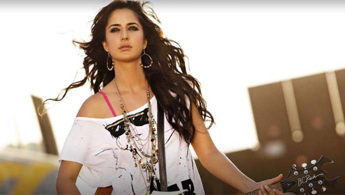 Katrina Kaif In Dhunki From Meri Brother Ki Dulhan