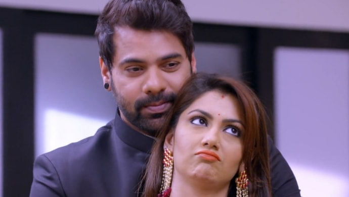 Abhi and Pragya caught in a romantic moment from Kumkum Bhagya