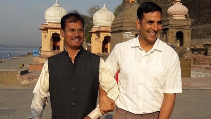 Akshay Kumar and Arunachalam Muruganantham on the sets of Pad Man
