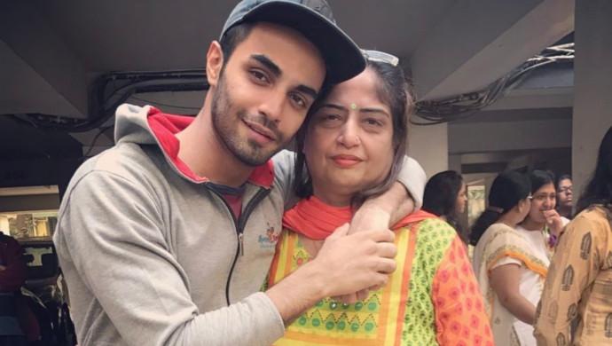 An Instagram Picture Of TV Actor Karan Jotwani With His Mother
