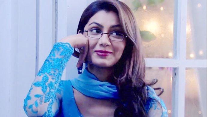Pragya in specs from Kumkum Bhagya