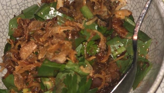 bangkok food fried pigeon dish