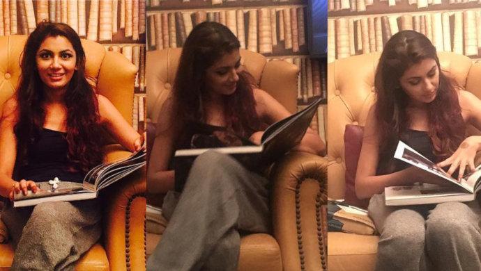 kumkum bhagya actress sriti jha in her home library