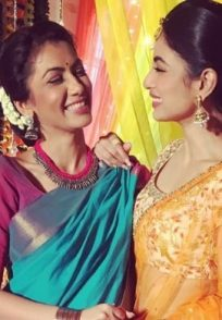 Friendship Day 2019: 5 Pictures of Sriti Jha And Mouni Roy