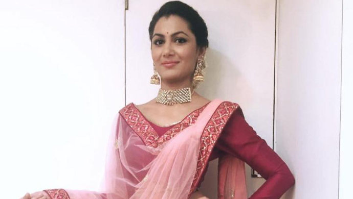 sriti jha in pink traditional suit