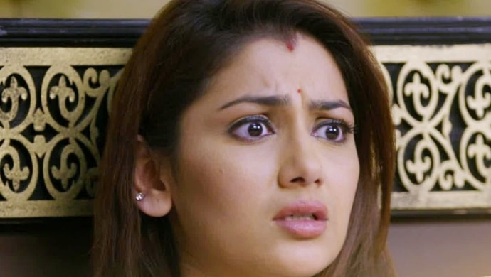 A shocked Pragya Arora in a scene from Kumkum Bhagya
