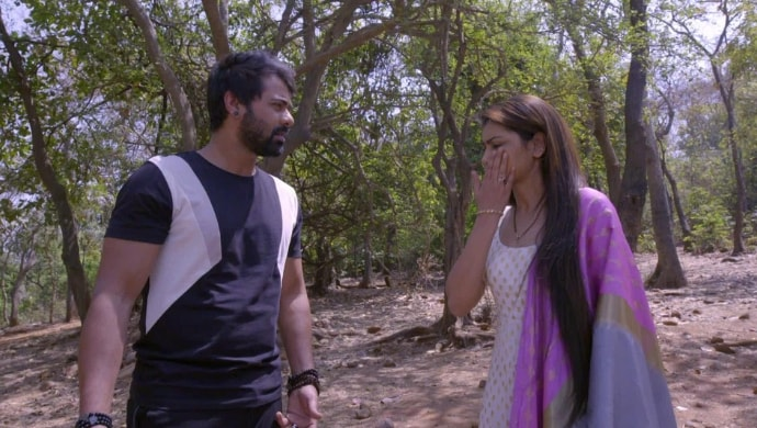 Abhi Pragya fight over Kiara's safety in Kumkum Bhagya