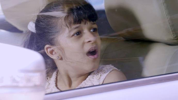 Kaurwakee Vasistha as Kiara in a kidnapping scene from Kumkum Bhagya