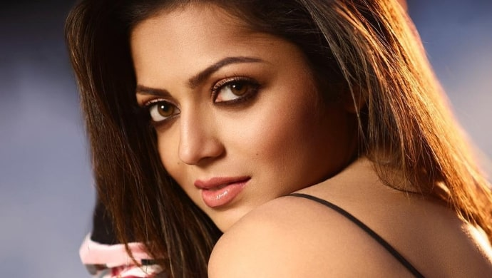 A photoshoot still of Drashti Dhami