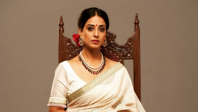 Mahie Gill in a retro look