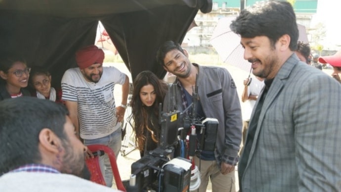 Prateik, Sonal, Jisshu on the sets of Skyfire
