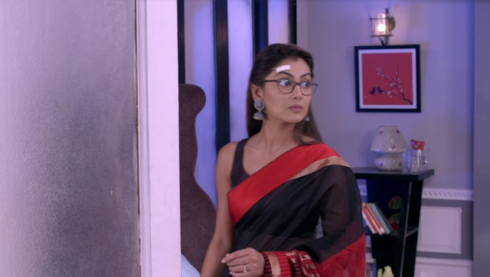 Kumkum Bhagya 6 May 2019 Full Episode Written Update: Pragya Goes To