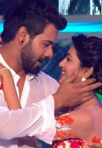 Kumkum Bhagya stars Sriti Jha Shabir Ahluwalia's performance at Zee Rishtey Awards 2017 event