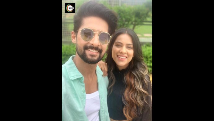 Ravi Dubey and Nia Sharma pose for a selfie on Jamai Raja 2.0 sets