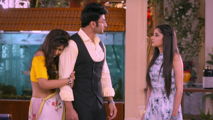 Still from Guddan Tumse Na Ho Payega with AJ