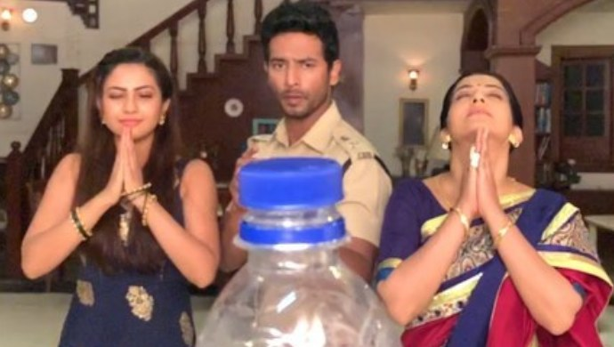 Tujhse Hai Raabta actors Sehban Azim Reem Shaikh take up #BottleCapChallenge