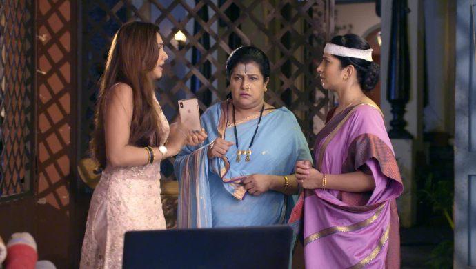 Kalyani, Anupriya and Aau Saheb in Tujhse Hai Raabta