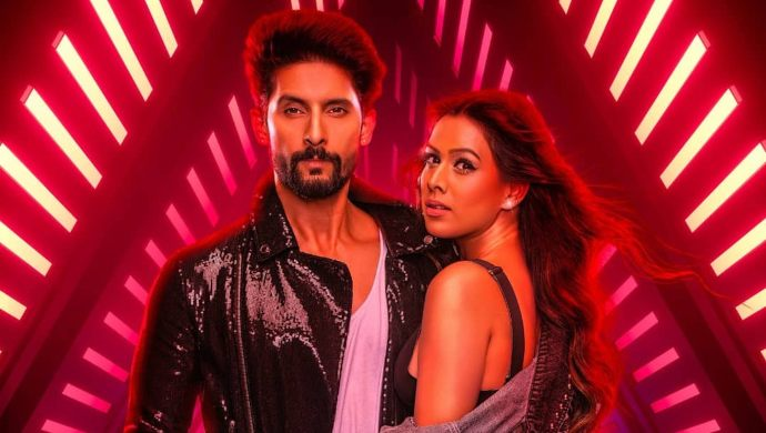 Ravi Dubey and Nia Sharma in Jamai 2.0 poster