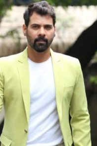 Shabir Ahluwalia aka Abhi on KKB sets