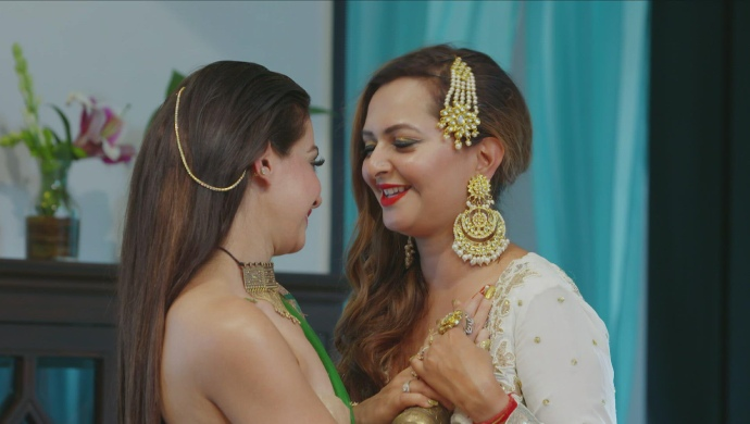 Still from Dilli Darlings with Deepshikh and Manya