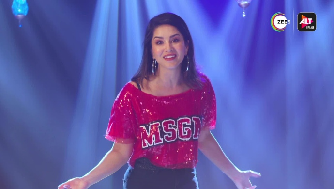 Sunny Leone in Hello Ji from Ragini MMS Returns