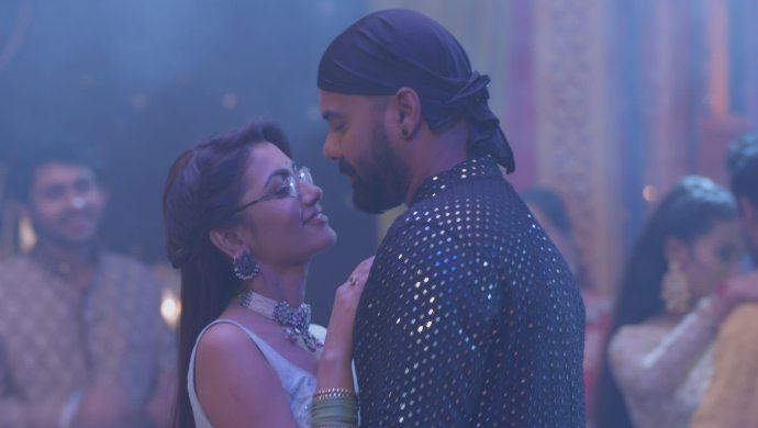 Abhi and Pragya share a dance