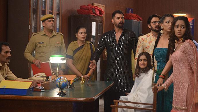 Abhi goes along with Prachi and Rhea to save Ranbir