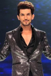 Arjun Bijlani in a shimmery blazer