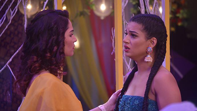 Rhea and Aliya look worried on Kumkum Bhagya