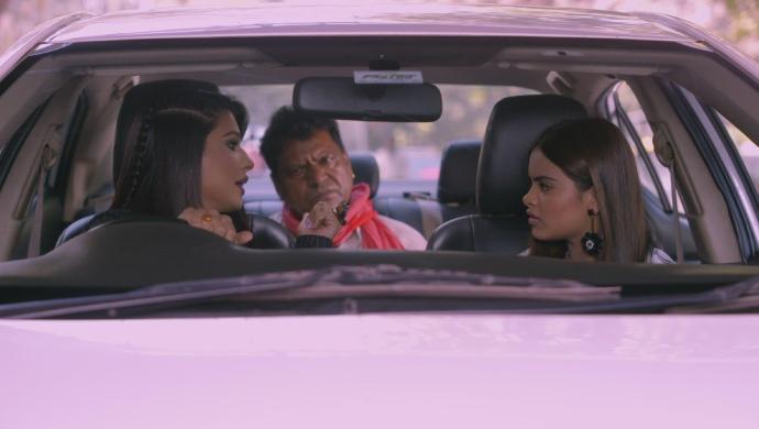 अभी भी कुमकुम भाग्य से रिया और माया के साथ