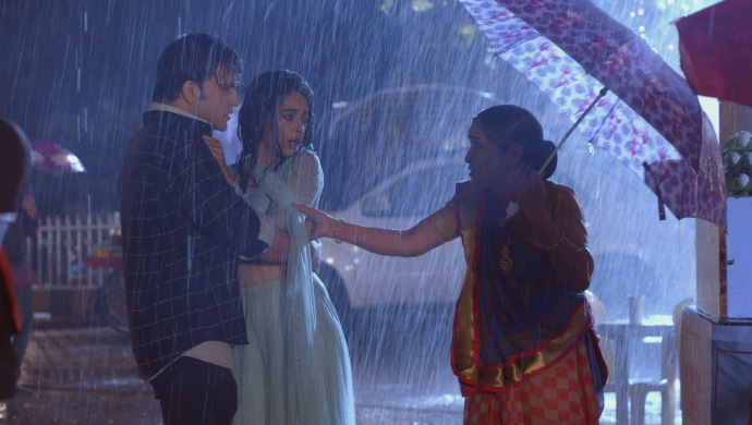 फिर भी सरिता और प्राची के साथ कुमकुम भाग्य
