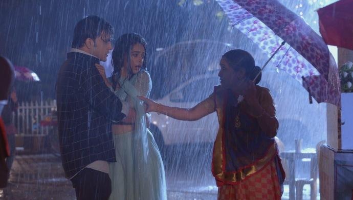 Still from Kumkum Bhagya with Sarita and Prachi