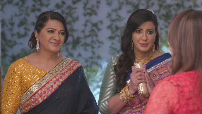 Still from Kundali Bhagya with Kareena and Rakhi