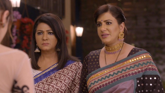 Still from Kundali Bhagya with Rakhi and Kareena