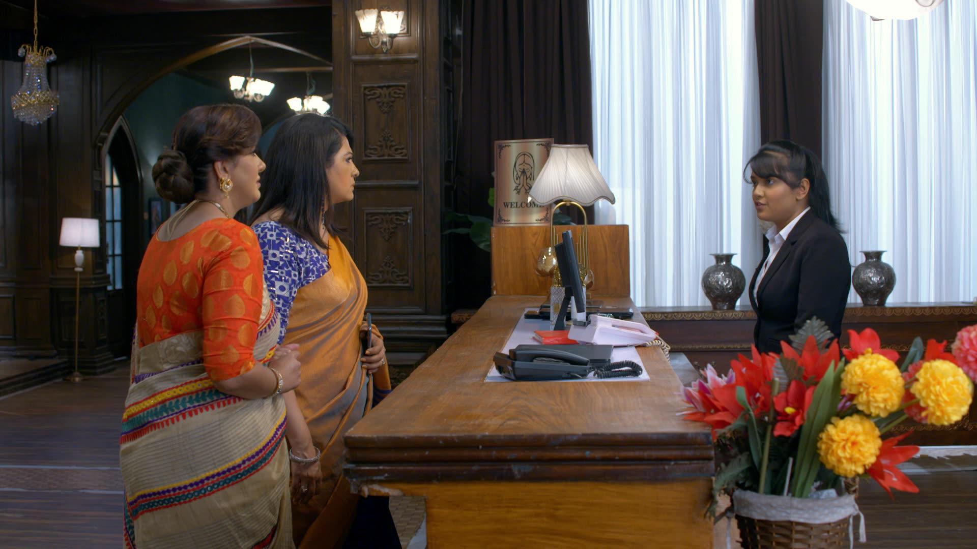 A still of Preeta, Sameer and Srishti