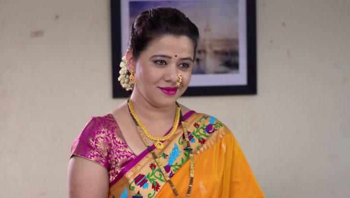 The Mazhya Navryachi Bayko actress Anita Date poses in a saree.