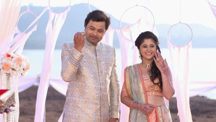 Onscreen couple from Tula Pahate Re start their happily-ever-after.