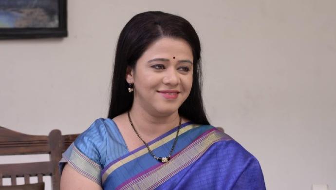 Anita Date in a scene from Mazhya Navryachi Bayko
