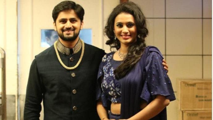 Honaar Soon Mee Hyaa Gharchi actor Shashank Ketkar poses in a stylish kurta.