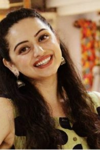 Jaago Mohan Pyare actress Shruti Marathe smiles for a picture.