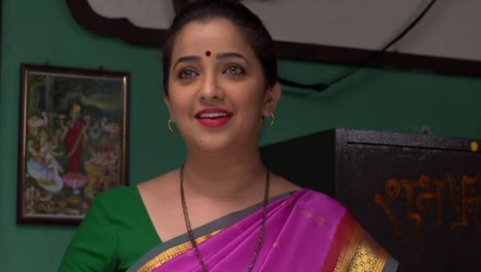 A Profile Picture Featuring Ratris Khel Chale 2 Actress Apurva Nemlekar