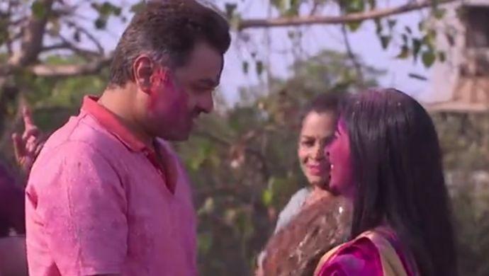 Still From Tula Pahate Re Starring Isha And Vikrant