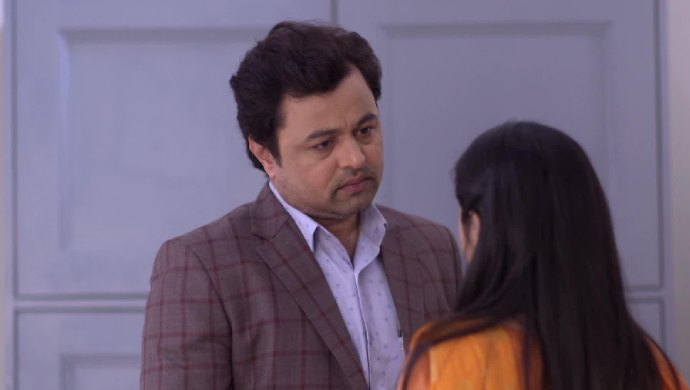 Vikrant Saranjame in a scene from Tula Pahate Re.
