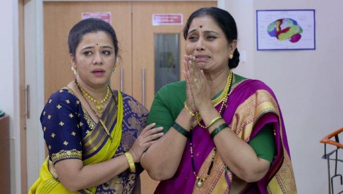 Radhika and Aai in a scene from Mazhya Navryachi Bayko.