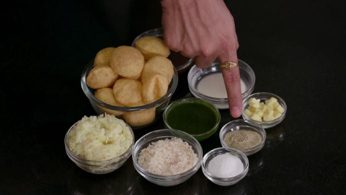 Cheese Ball Panipuri on Aamhi Saare Khavayye