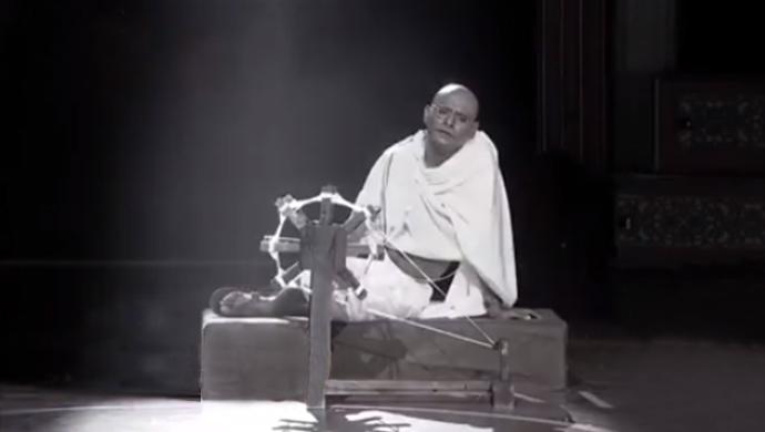 A Still Of Sagar Karande As Gandhi In Zee Natya Gaurav 2019
