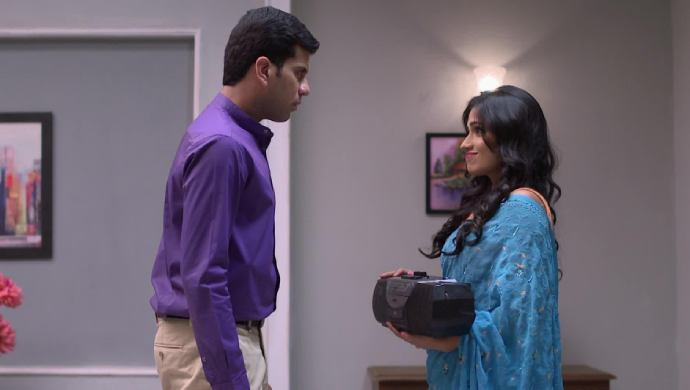 Sonya and Jaydeep in a scene from Tula Pahate Re
