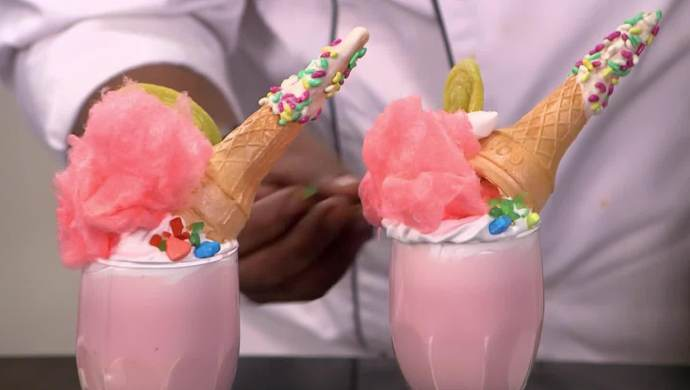 Unicorn Bubblegum Shake from Aamhi Saare Khavayye