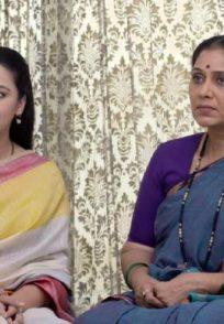 Aai and Radhika in a scene from Mazhya Navryachi Bayko.