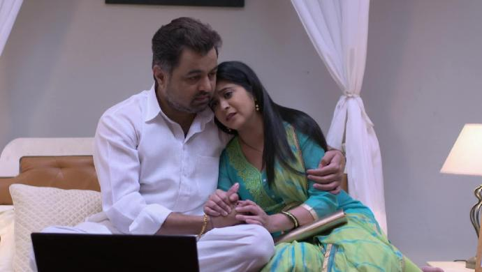 Vikrant and Isha in a scene from Tula Pahate Re.